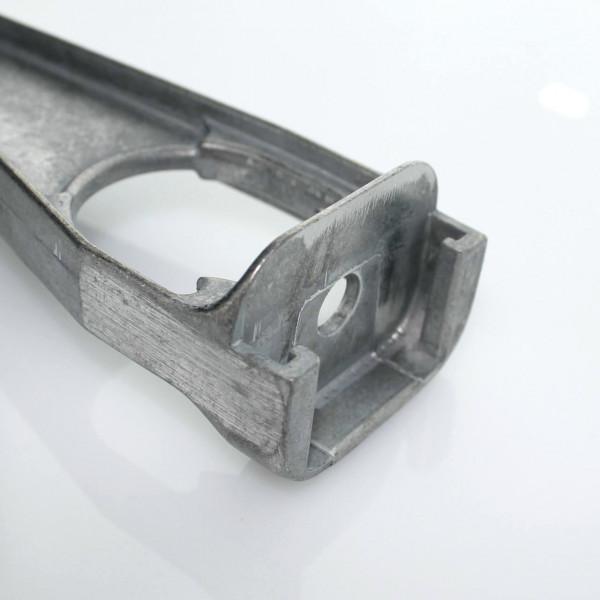gerader Stacheldrahtabweiser für betonpfosten