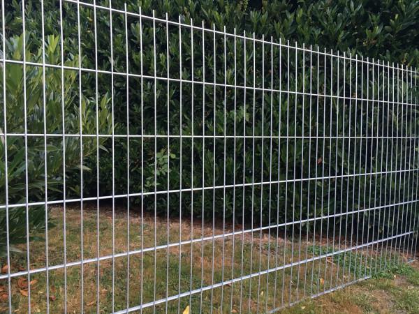 Flachstabmattenzaun 1.80 Meter mit Flachstahl 15 x 6,0 mm verzinkt