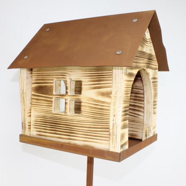 Futterstelle für heimische Vögel Winter