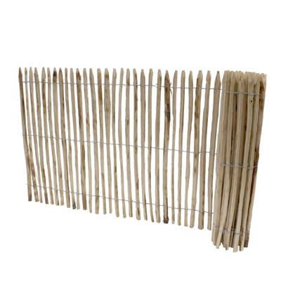 staketenzaun aus kastanie ist sehr lange haltbar und wetterbest ndig. Black Bedroom Furniture Sets. Home Design Ideas