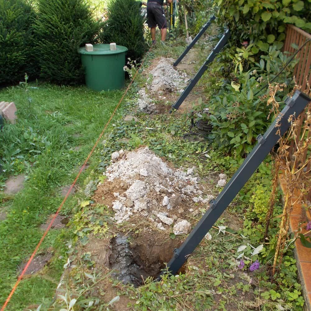 Gitterzaun und Gitterzäune   Gartenzaun aus Doppelstabmatten an ...